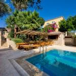 Απολαύστε τη πισίνα μας - Thimaras Traditional Residences
