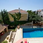 Πανοραμική θέα της πισίνας μας - Thimaras Traditional Residences